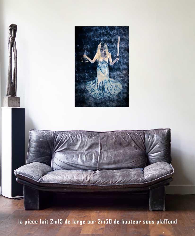 La Justice,60 x 90 cm, série les lames de l'Âme par Justine Darmon