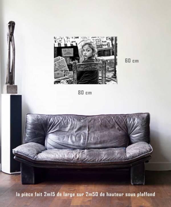 La fille du marchand-tirage en situation- 80 x 60- Cuba, au delà des couleurs par Justine Darmon