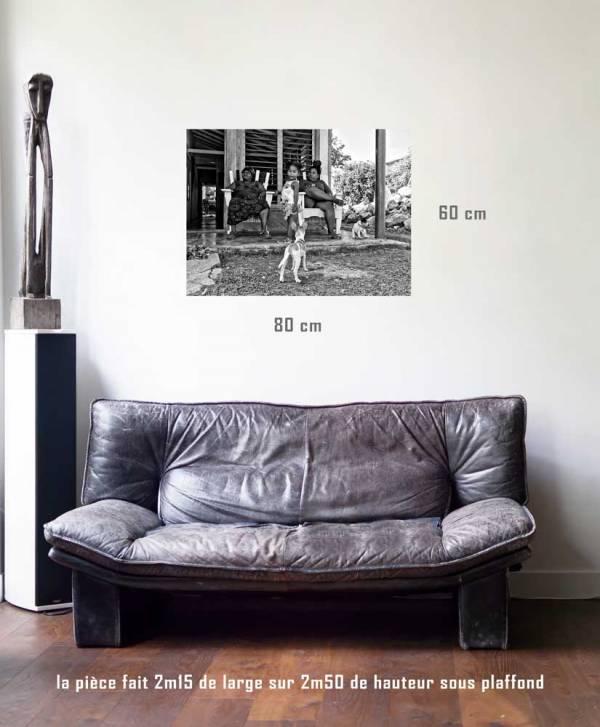 Les trois grâces-tirage en situation-80 x 60- Cuba, au delà des couleurs par Justine Darmon