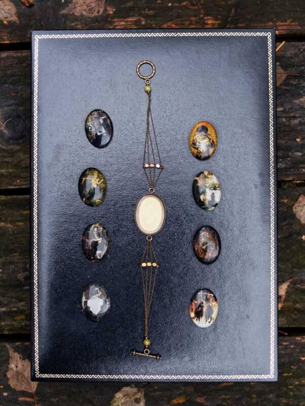Bracelet-n7-les-Bijoux-des-lames-du-tarot