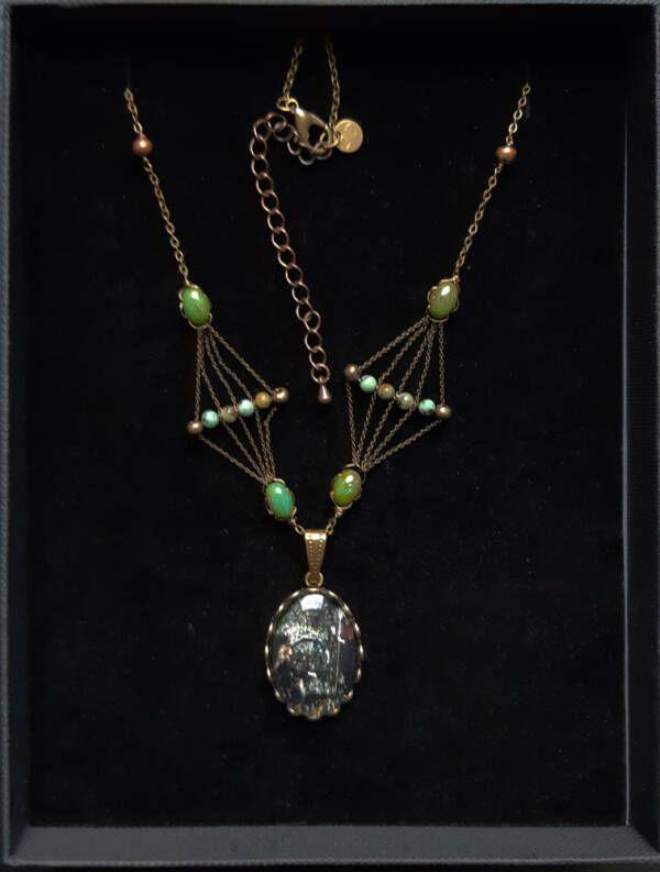 Collier n5 (petit pendentif, Bijoux des lames du tarot